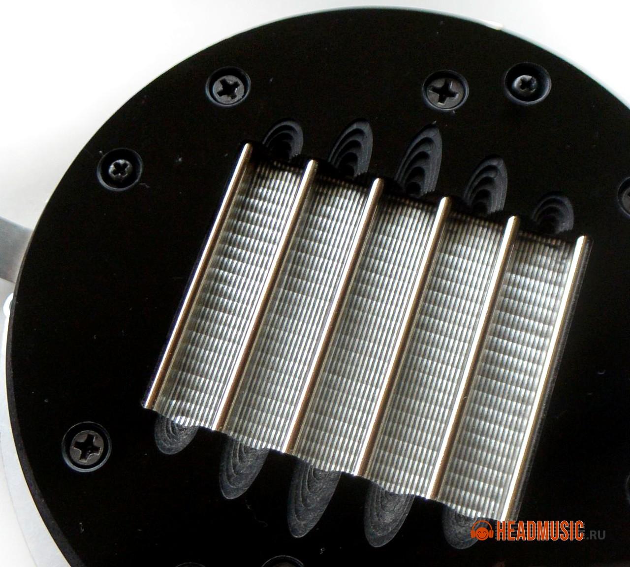 The diaphragm radiator of Snorry planar headphones